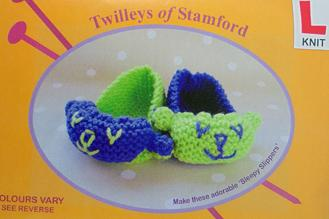 Sleepy Slippers Knitting Kit