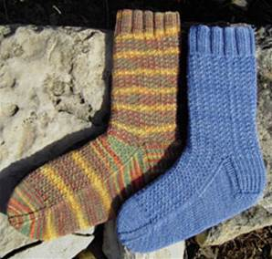 Bees Knees socks digital vesion in 4 ply and DK