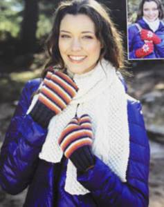 Scarf, mittens and fingerless gloves Sirdar 9617