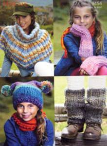 Cape, hat, armwarmers and legwarmers Sirdar 9454